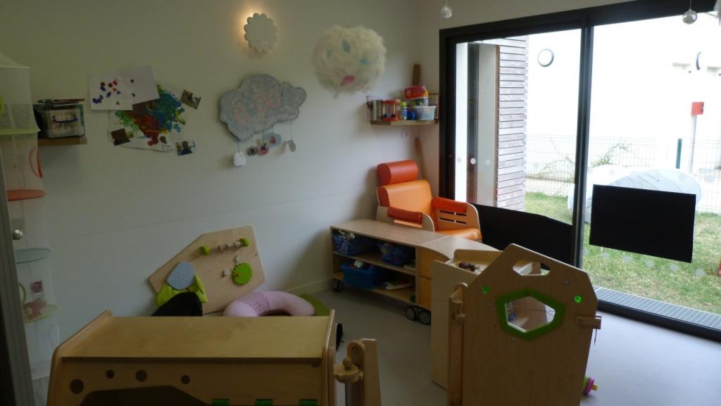 table jouet pour enfants multi accueil