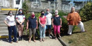 Des masques réutilisables confectionnés par des bénévoles